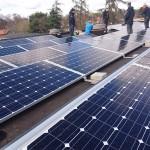 Solenergi driver kontor och elbilar